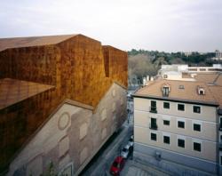 Caixa Forum- Herzog De Meuron.jpg